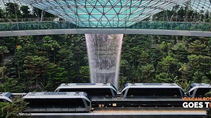 Skytrain-jewel-singapore